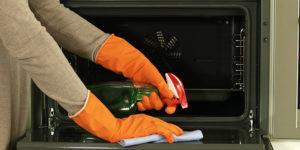 tips för en effektiv ugnsrengöring